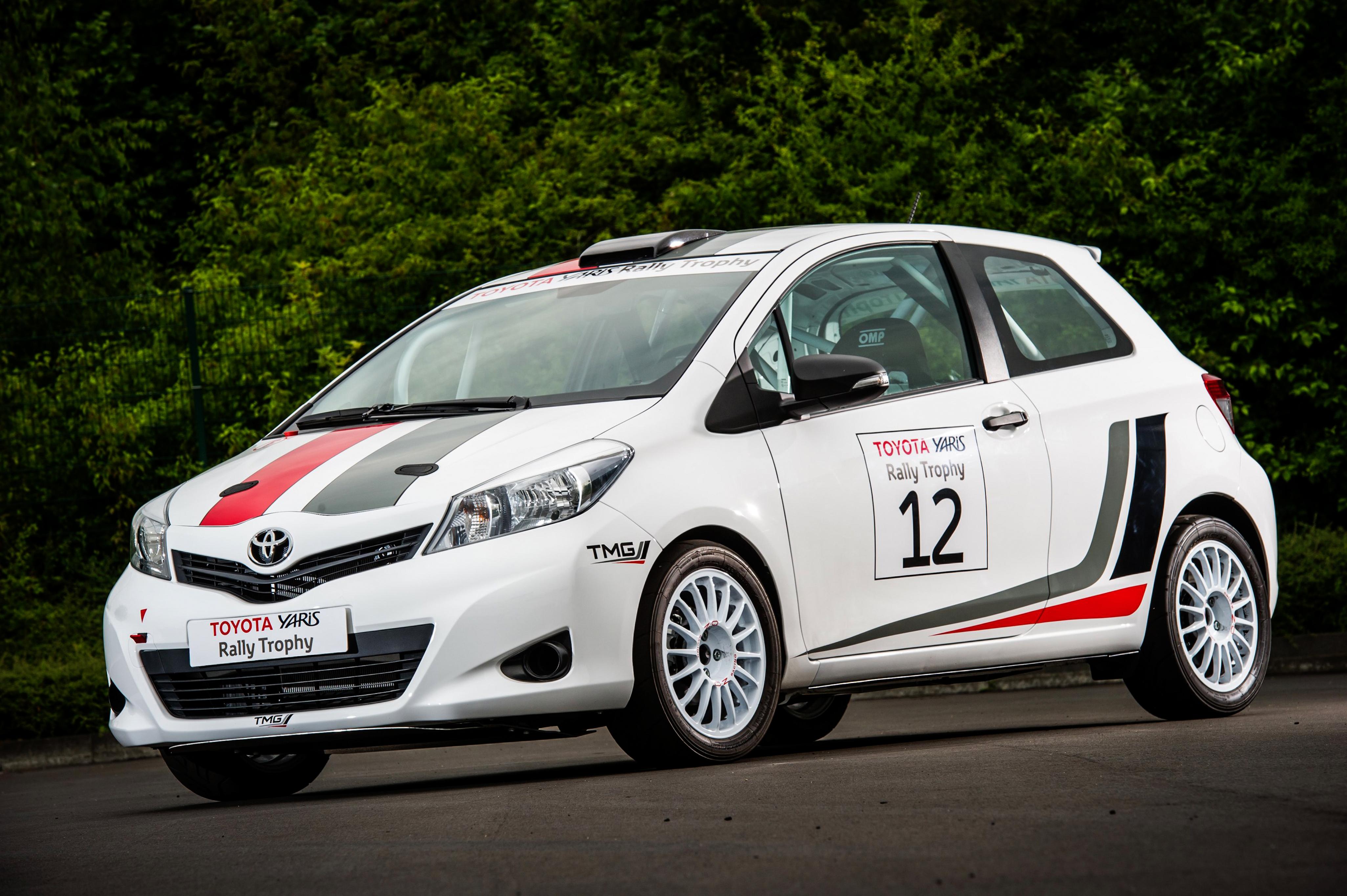 Toyota Yaris пороги боковые motorsport #5