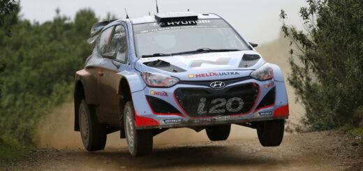 Hyundai-i20-WRC-Jump-(3)